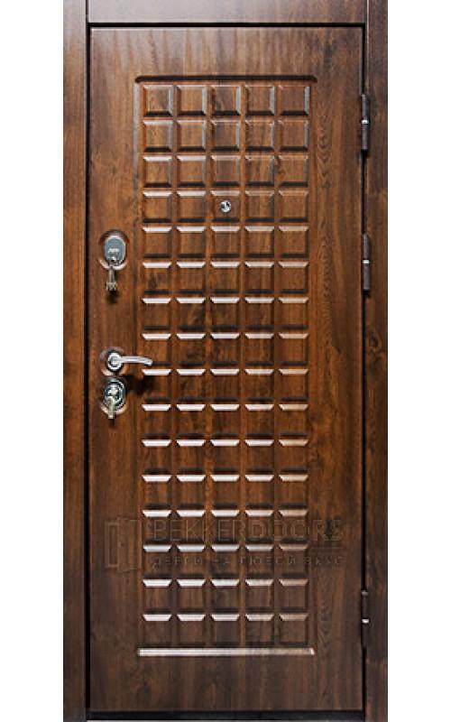 входные металлические двери в квартиру стиль